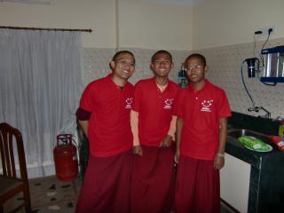 チベット寺院僧侶のあたたかい心に感謝