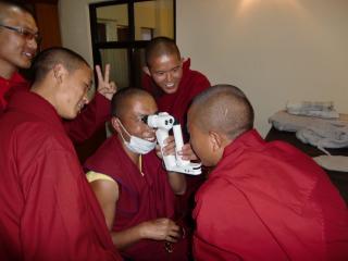 チベットの診察脈診もしてもらいました